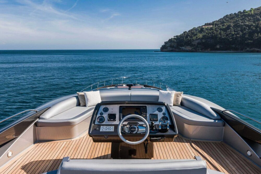 Riva 88′ Domino Super - Exteriror - Riva 88' Domino Super