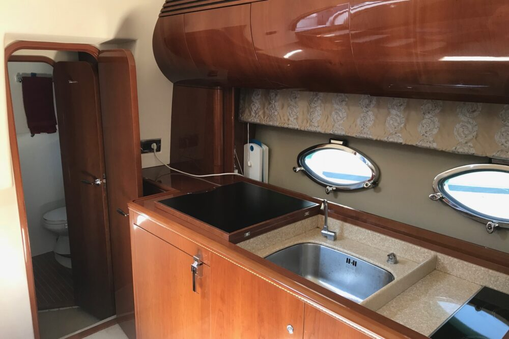 PRINCESS V50 Open - Featured