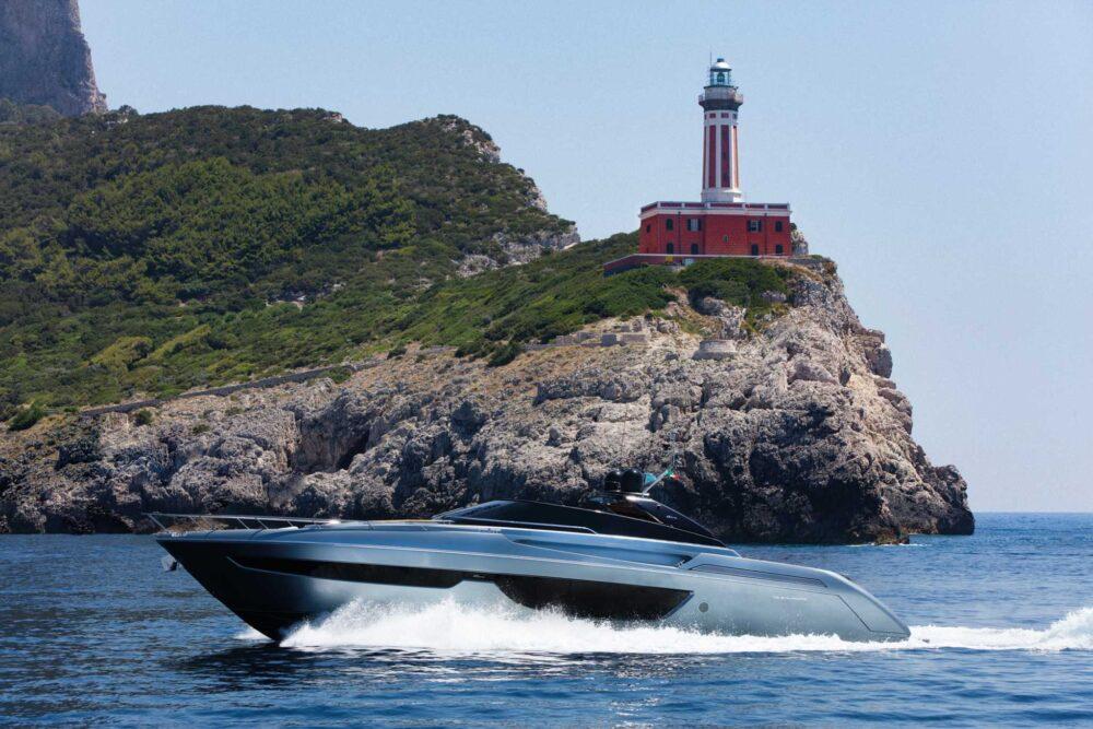 Riva 76′ Bahamas - Exteriror - Riva 76' Bahamas