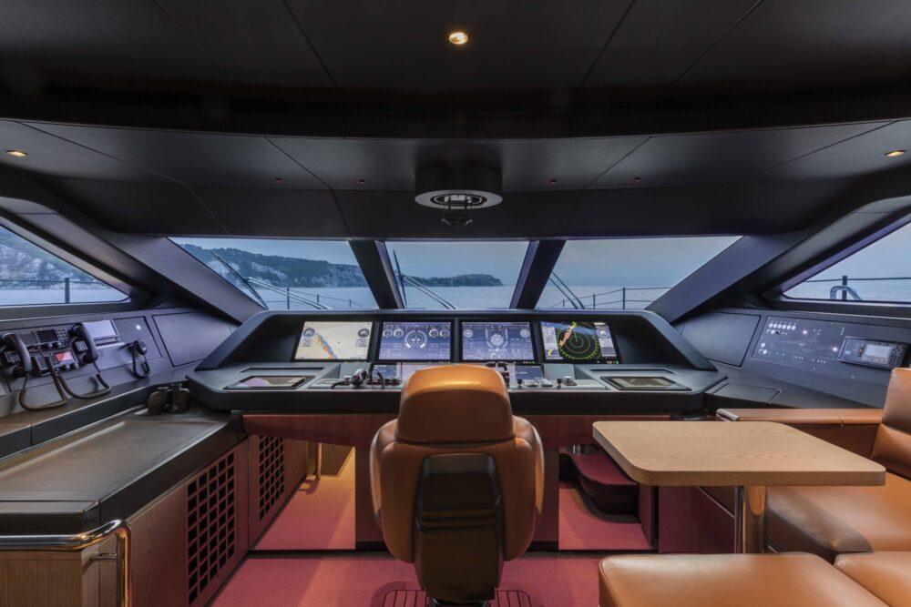 Custom Line 106′ New - Interior