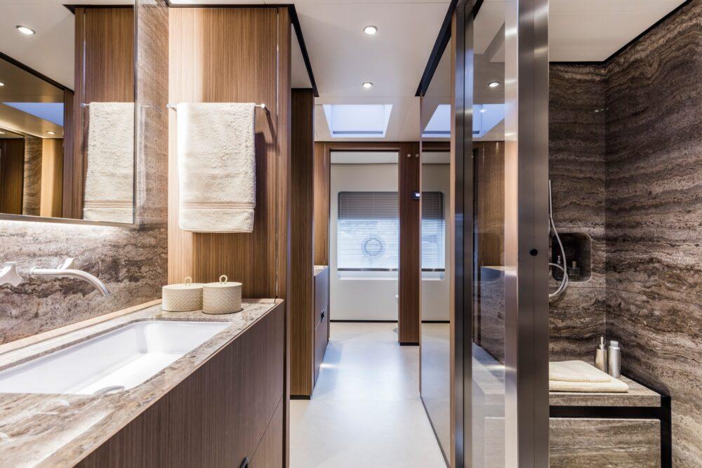 Custom Line 120′ - Interior