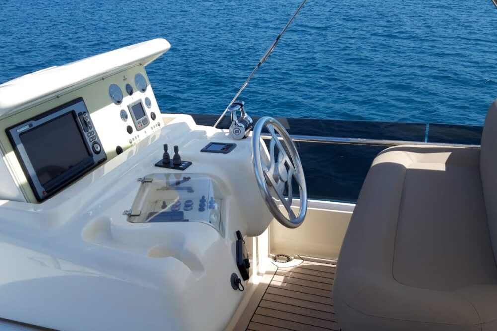 Ferretti 570 - Featured