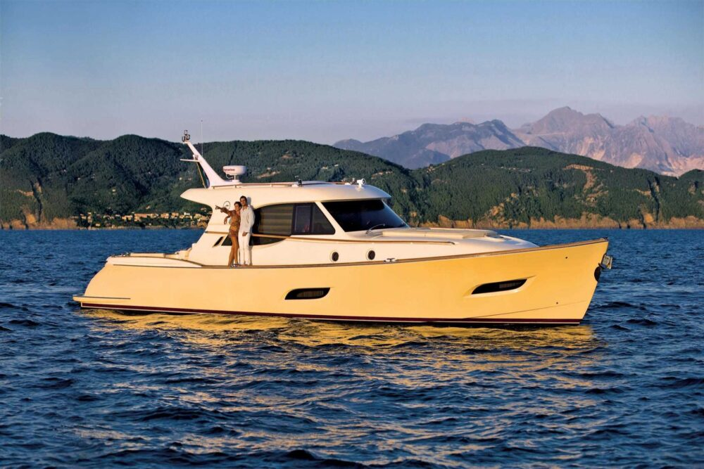 DOLPHIN 54′ - Featured