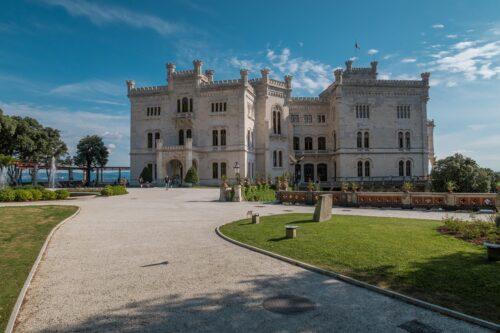 castle-4357439_1280