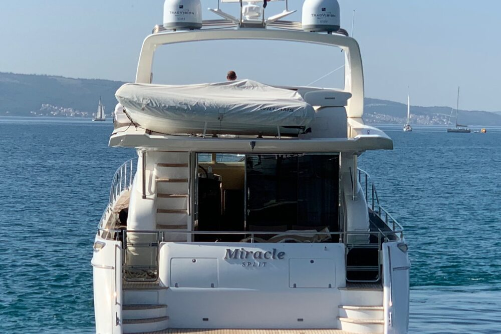 Princess 21 M - Featured