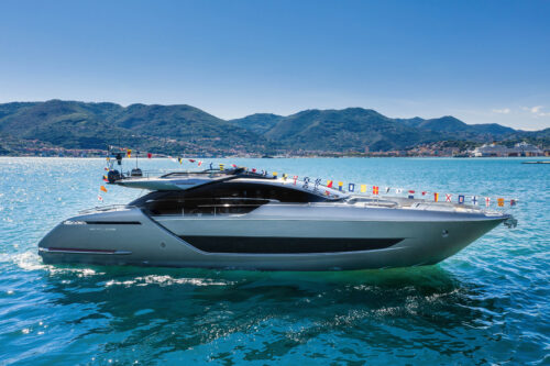 Launch of Riva 88' Folgore: just back from a journey into the future