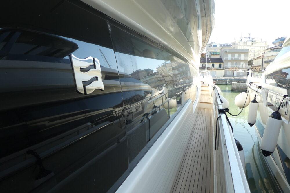 Ferretti Yachts 850 - Featured