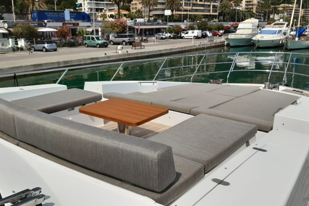 """Azimut 77 S """"PUFFIN"""" - Exterior"""