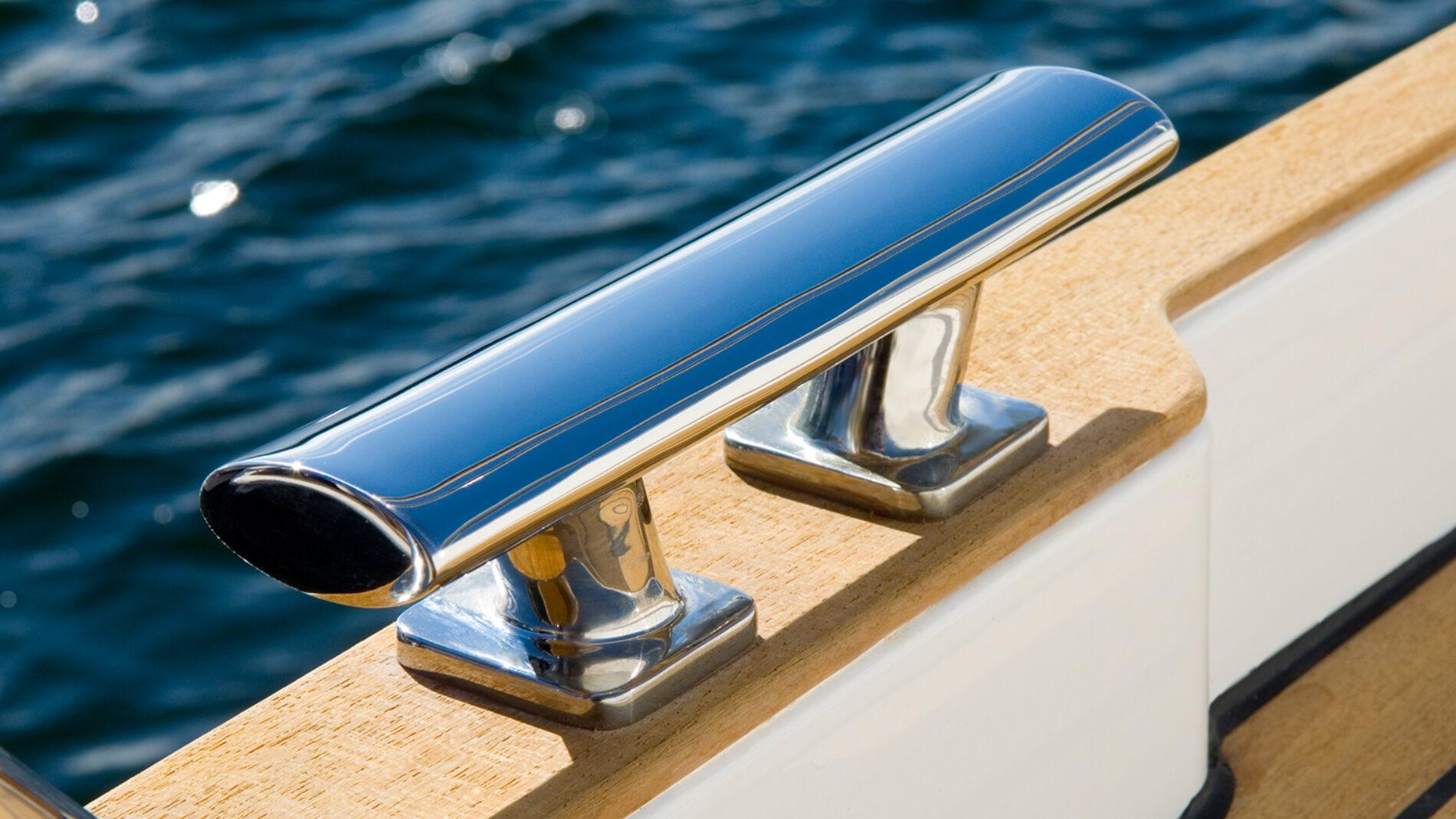 boat-320-interior-10