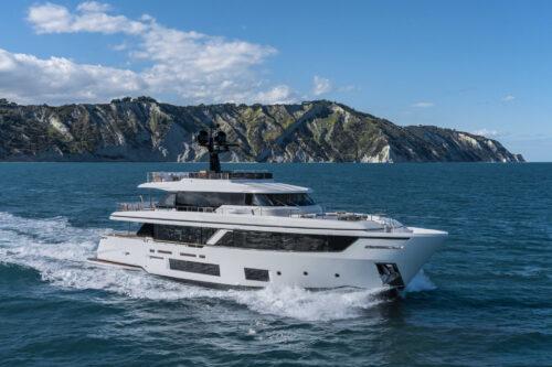 Custom Line Navetta 30 review in Yachts Croatia Magazine