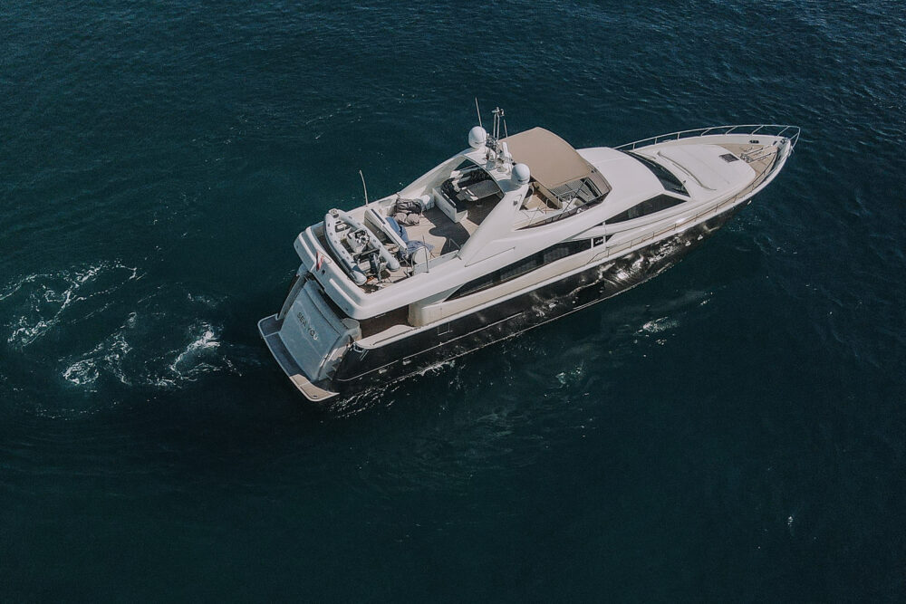 Ferretti Yachts 830 #30 - Featured
